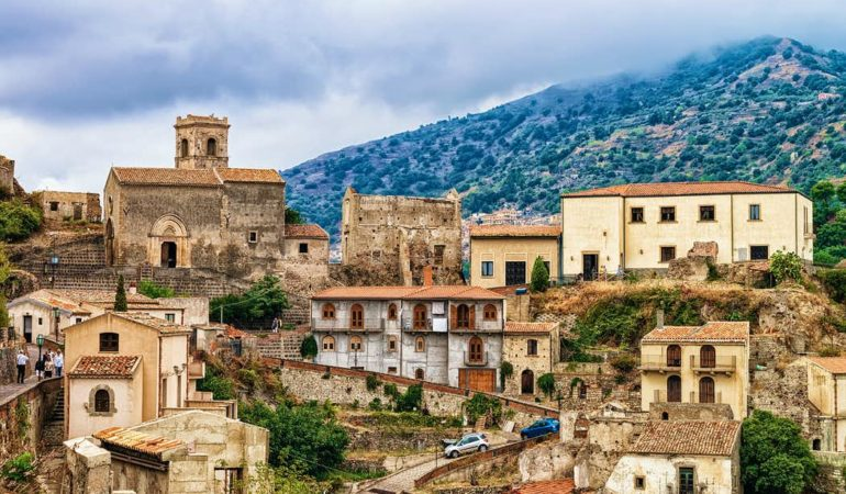 4-Day Godfather Filming Locations in Sicily Tour