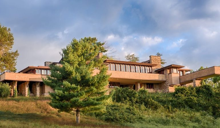 Photo: Frank Lloyd Wright Foundation